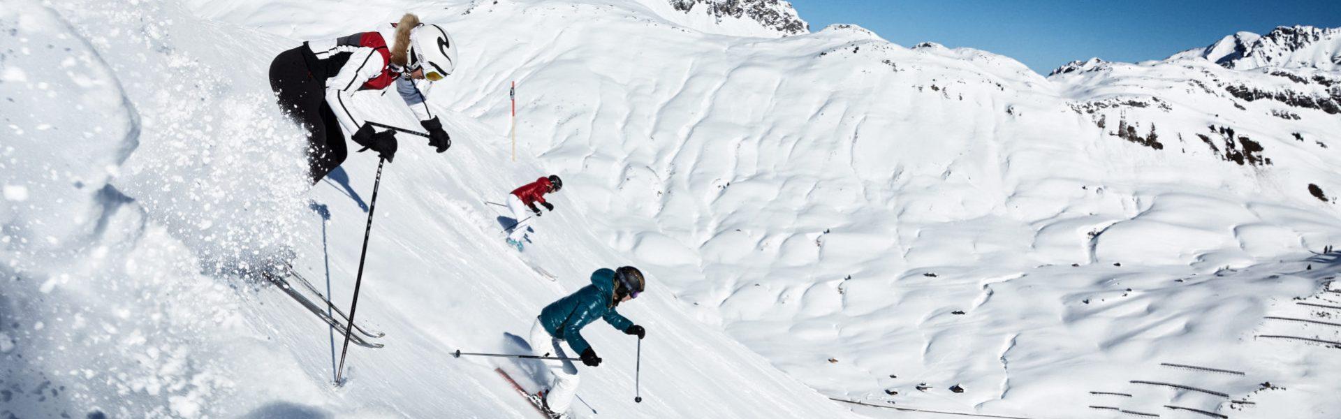 Skifahren im Skigebiet Warth-Schröcken im Bregenzerwald © Adolf Bereuter / Bregenzerwald Tourismus