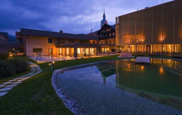 Wellnesshotel GAMS, Genießer- und Kuschelhotel, Bezau, Bregenzerwald, Schwimmteich © Hotel Gams