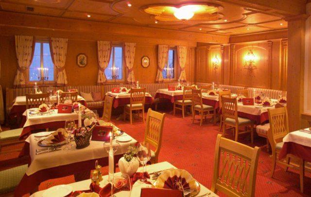 Restaurant, Wellnesshotel Zamangspitze, Berg-Spa Hotel, St. Gallenkirch, Montafon (c) Hotel Zamangspitze