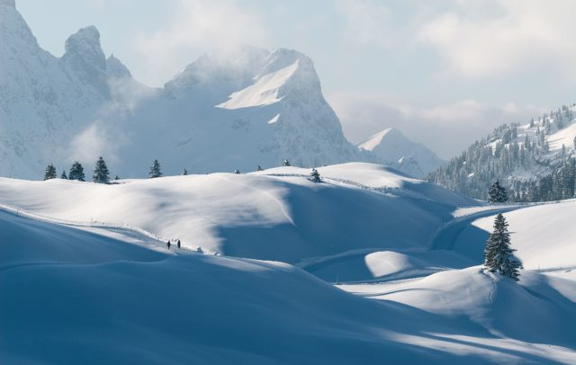 Winterwandern, Winter Hiking in Vorarlberg, Schröcken, Bregenzerwald Winterwanderung (c) walser-image.com
