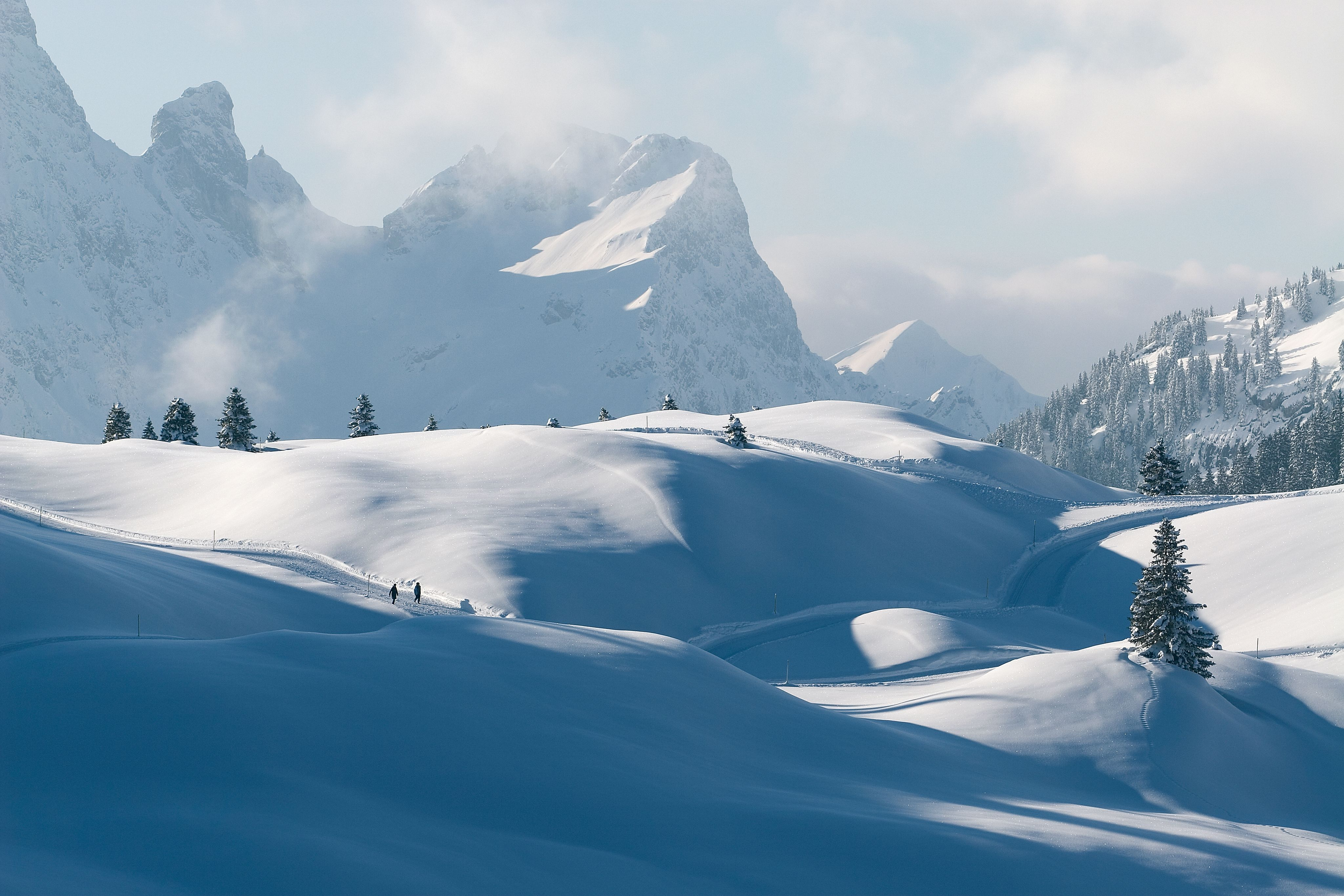 Winter hiking - marked winter hiking trails - guided ...