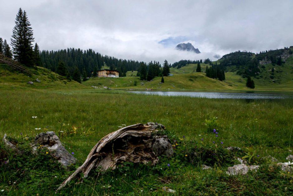 Blick auf den Körbersee bei Schröcken, Herbst, Bregenzerwald (c) Helmut Düringer - Vorarlberg Tourismus GmbH