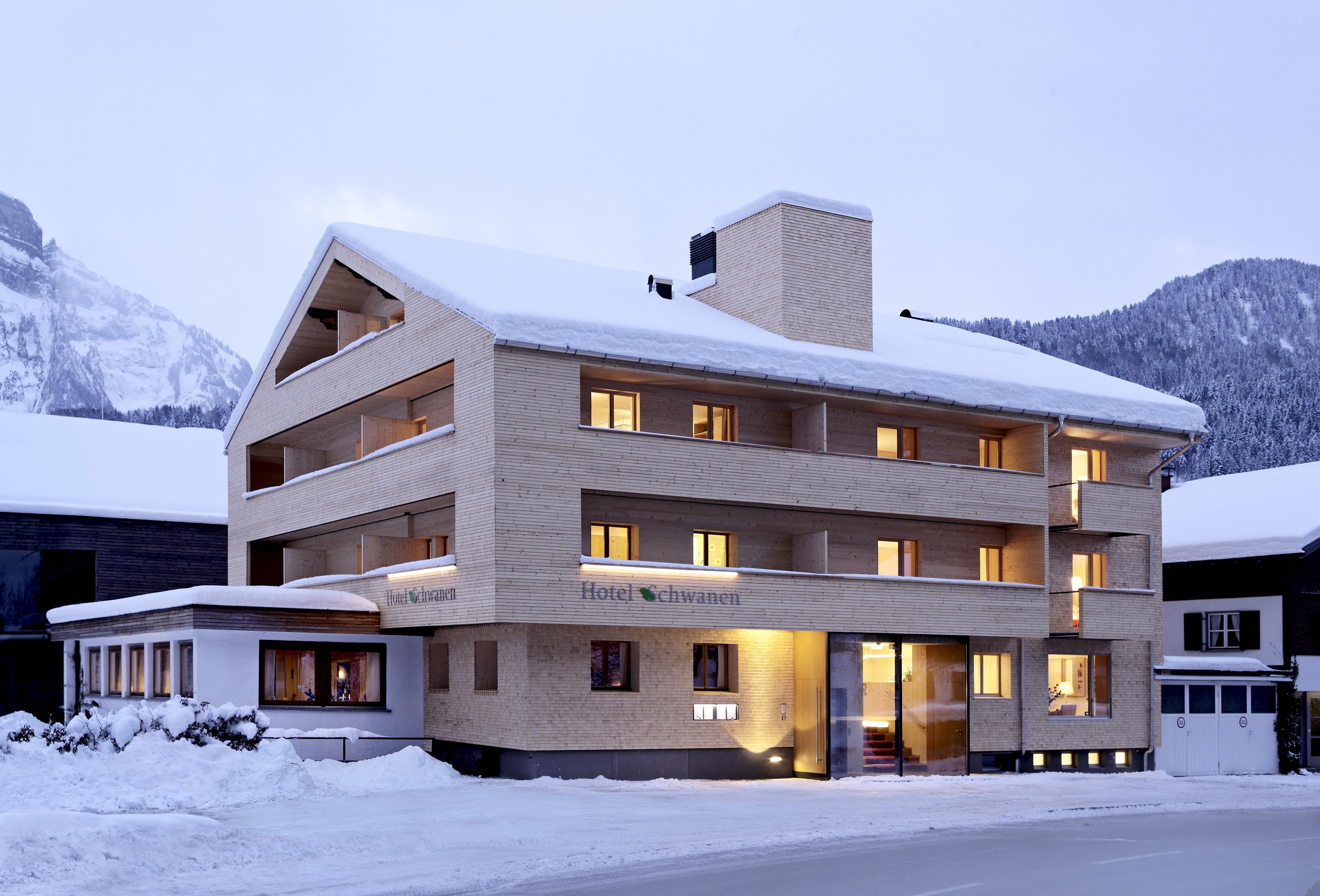 Moderne gastlichkeit biohotel schwanen bizau vorarlberg for Designhotel vorarlberg