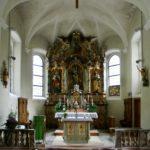 Sonntag, Pfarrkirche Unserer Lieben Frau Mariä Geburt mit Friedhof