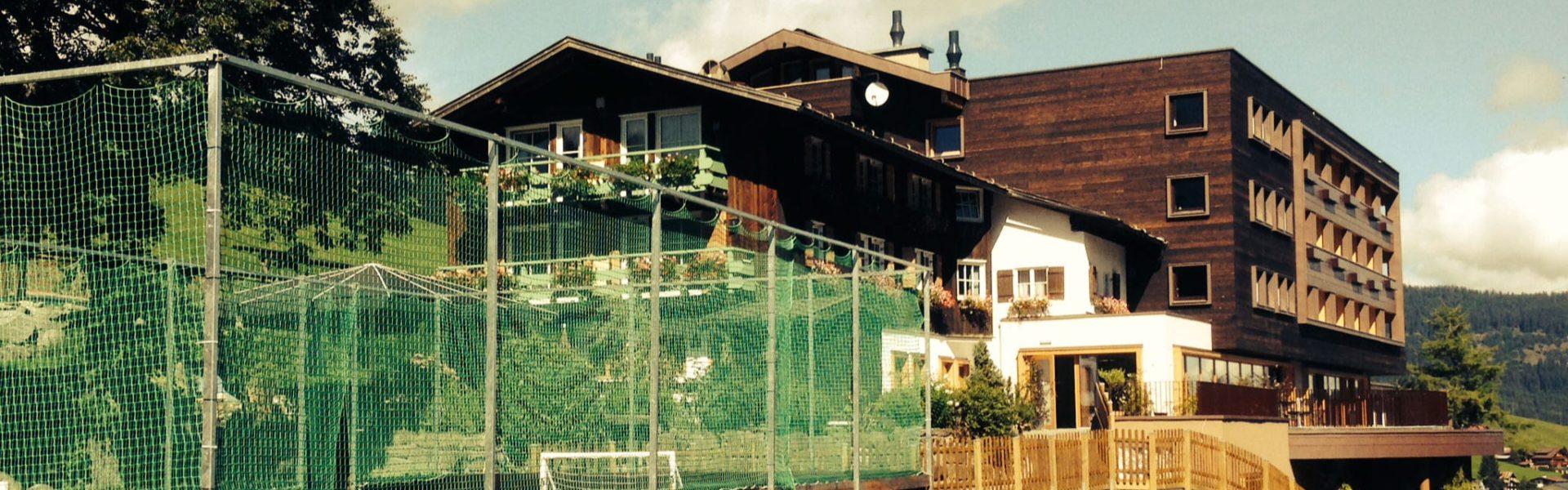 Top Family Familienhotel - Das Alphotel, Hirschegg, Kleinwalsertal, Außenansicht Sommer © Das Alphotel