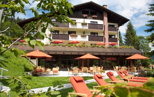 Top Family Familienhotel Lagant, Brandnertal, Alpenregion Bludenz, Außenansicht Sommer © Bernhard Huber / Familienhotel Lagant