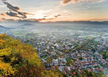 Hohenems, Stadterlebnis, Städtetrip, Blick vom Schloßberg Richtung Oberland (c) walser-image.com