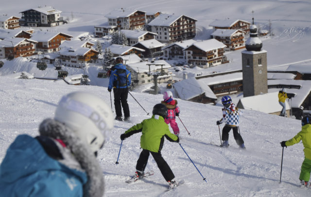Kinderskikurs in Lech Zürs am Arlberg © Lech Zürs Tourismus