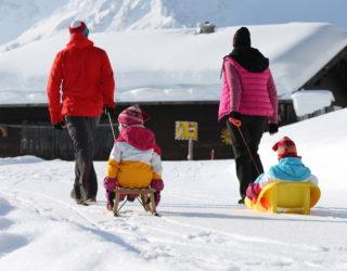 Winterwandern mit der Familie im Kleinwalsertal © Frank Drechsel/Kleinwalsertal Tourismus eGen