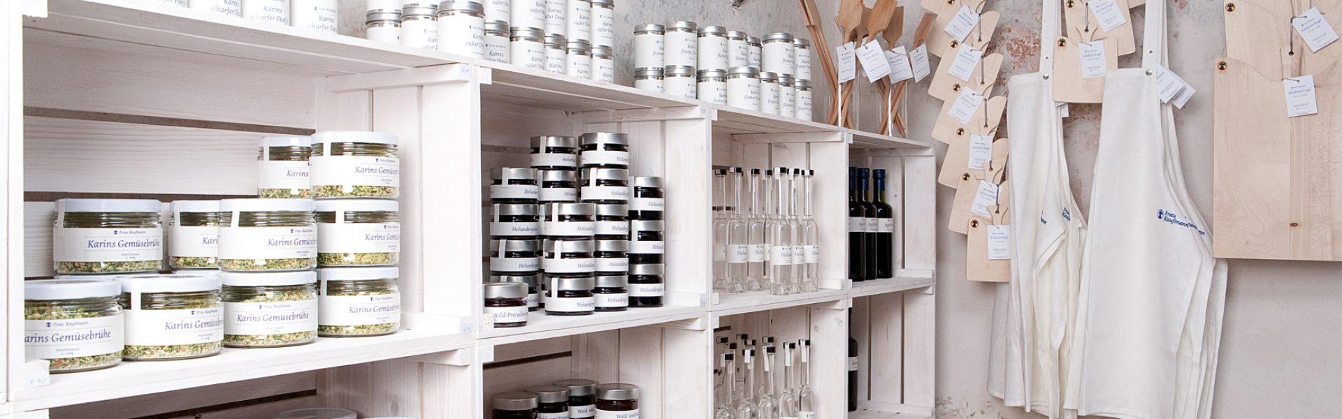 Laden mit Produkten von Frau Kaufmann, Egg © Roswitha Natter / super-bfg.com