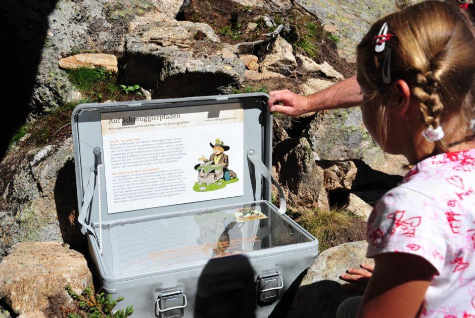 Wandern mit Kleinkindern, Schmugglerweg im Montafon (c) Montafon Tourismus GmbH