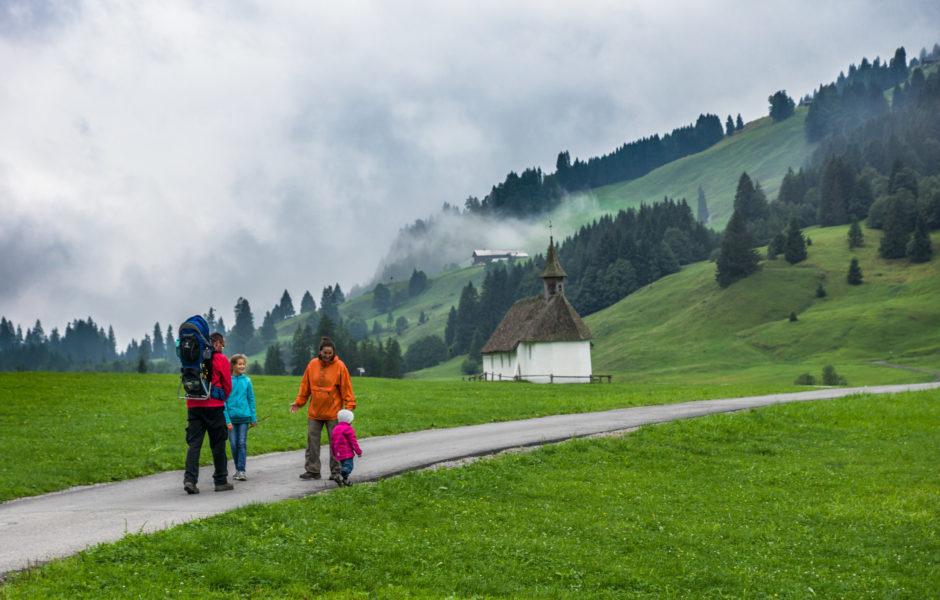 Min Weag Auf dem Weg nach zum Vorsäß Schönenbach © Vorarlberg Tourismus GmbH