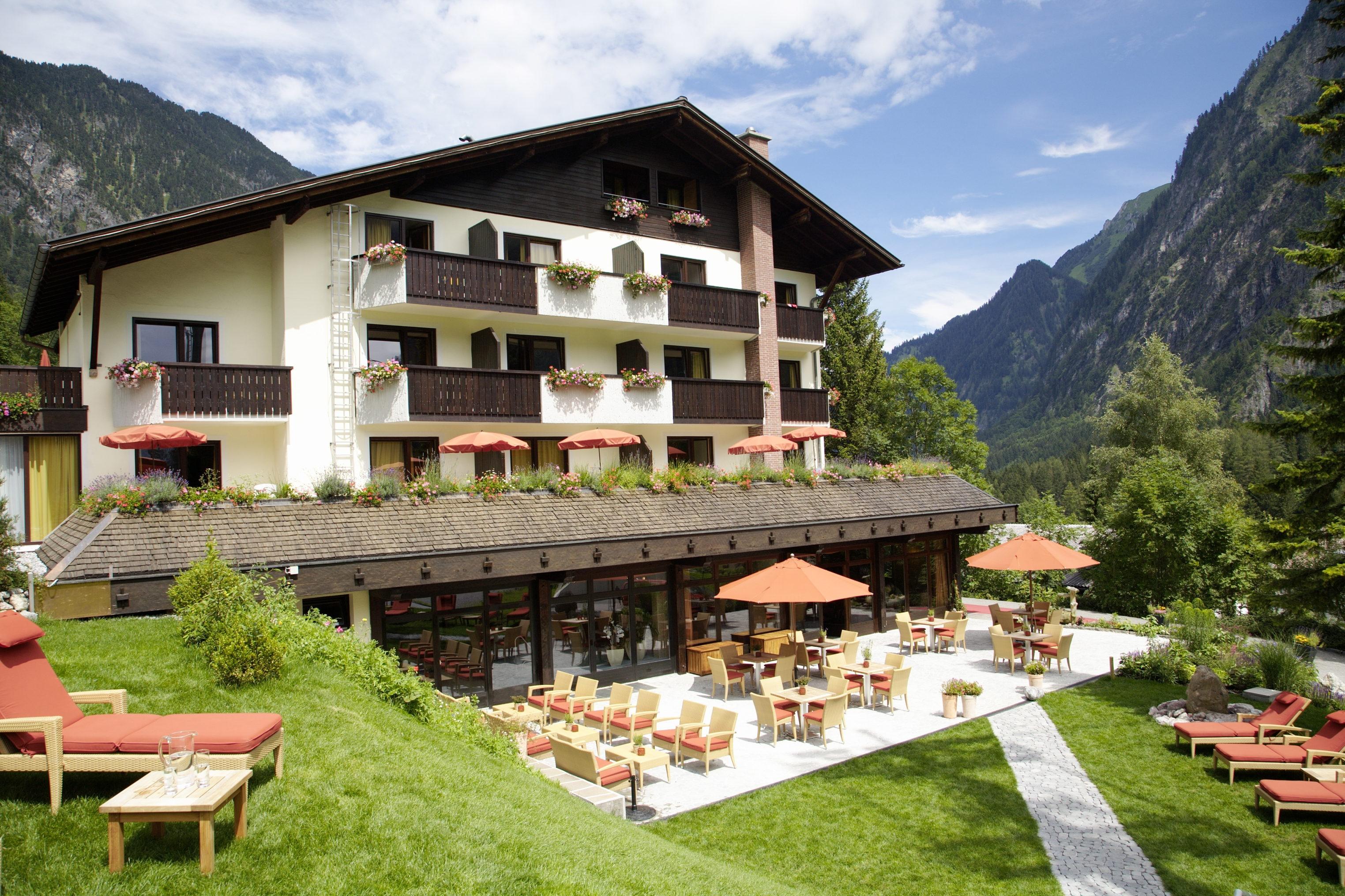 Top family familienhotel lagant brand alpenregion bludenz for Modernes familienhotel
