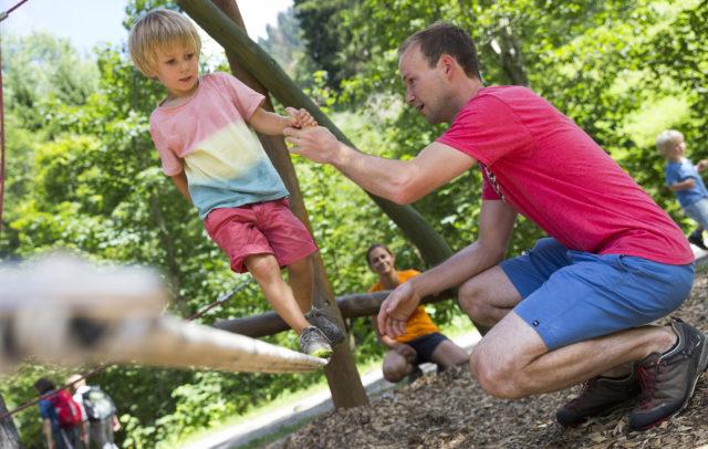 Burmiweg Familie  @Oliver Farys (27) © Kleinwalsertal Tourismus eGen