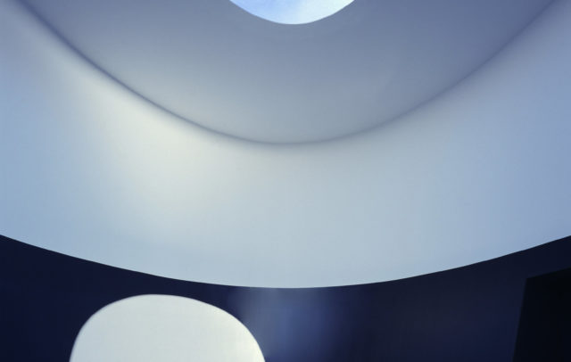 "Skyspace Lech, "" The color inside "" University of Texas, Austin, 2012 © James Turrell Foto: Holzherr"