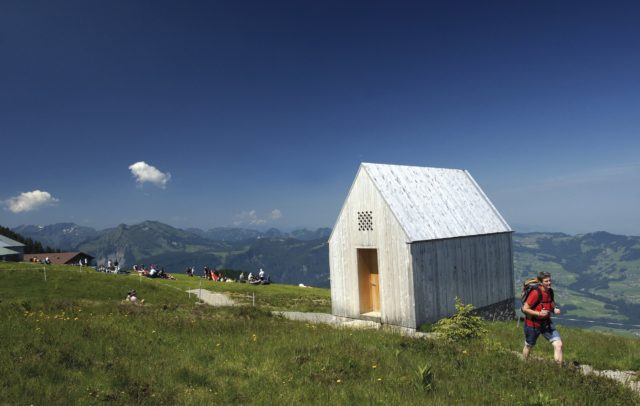 Kapelle Niedere Andelsbuch, Themenwandern, Wanderwege zur Kultur (c) Ludwig Berchtold / Vorarlberg Tourismus