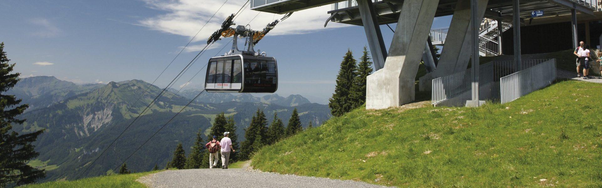 Wandern mit der Seilbahn, Bezau Bergstation (c) Seilbahn Bezau / Vorarlberg Tourismus