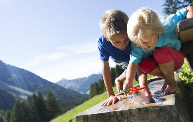 Wandern Familie Alpleben Fluchtalpe @Oliver Farys (21) © Kleinwalsertal Tourismus eGen