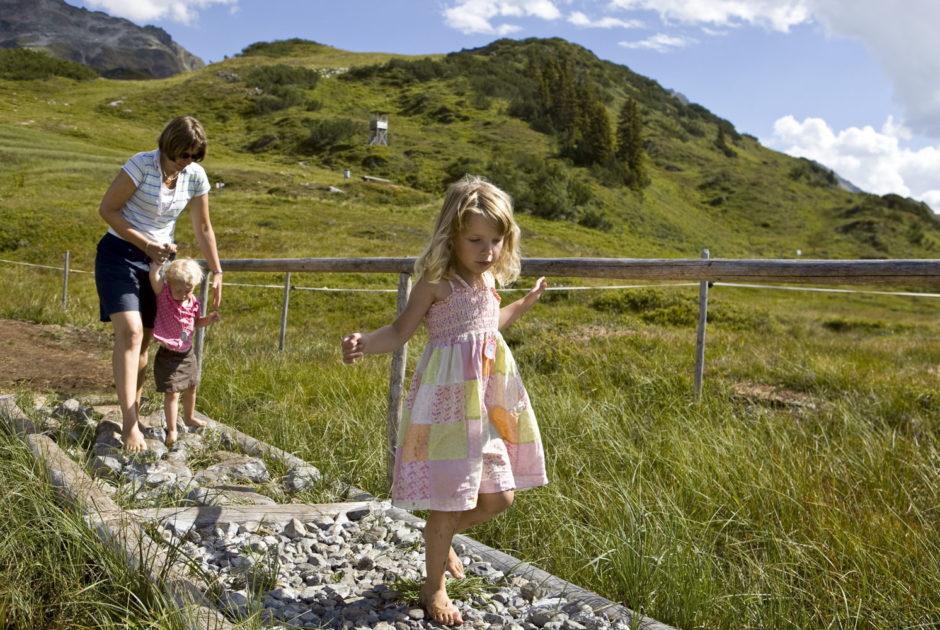Alpenregion Bludenz Barfussweg Brandnertal © Alpenregion Bludenz Tourismus GmbH