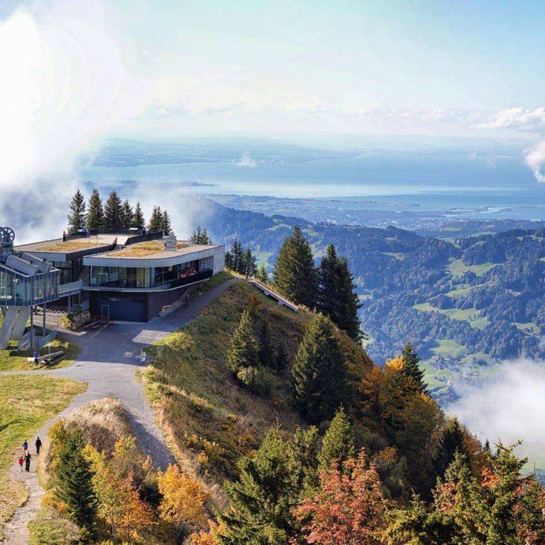 Panoramarestaurant Baumgarten, Blick ins Rheintal, Seilbahnen Vorarlberg, Herbst (c) Seilbahn Bezau