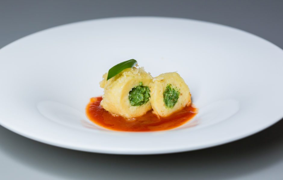 Bärlauch-Käseknödel mit Tomatenkompott © Restaurant Schulhus Krumbach