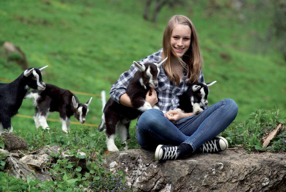 Mädchen mit Ziegen © Ludwig Berchtold / Vorarlberg Tourismus