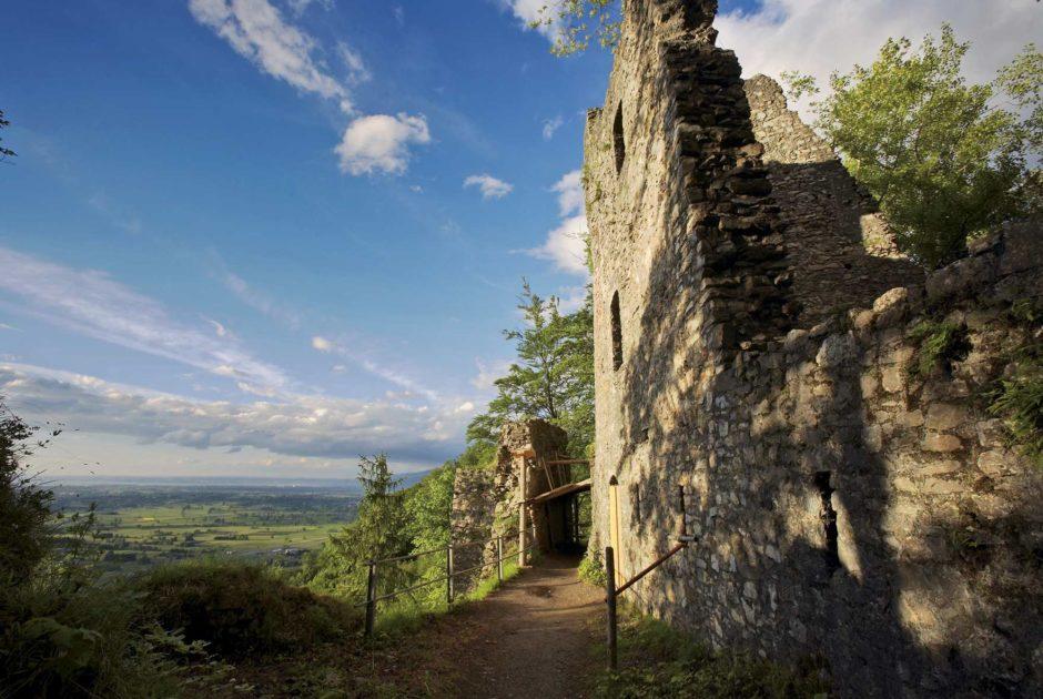 Ruine Alt-Ems (c) Peter Mathis - Tourismus & Stadtmarketing Hohenems