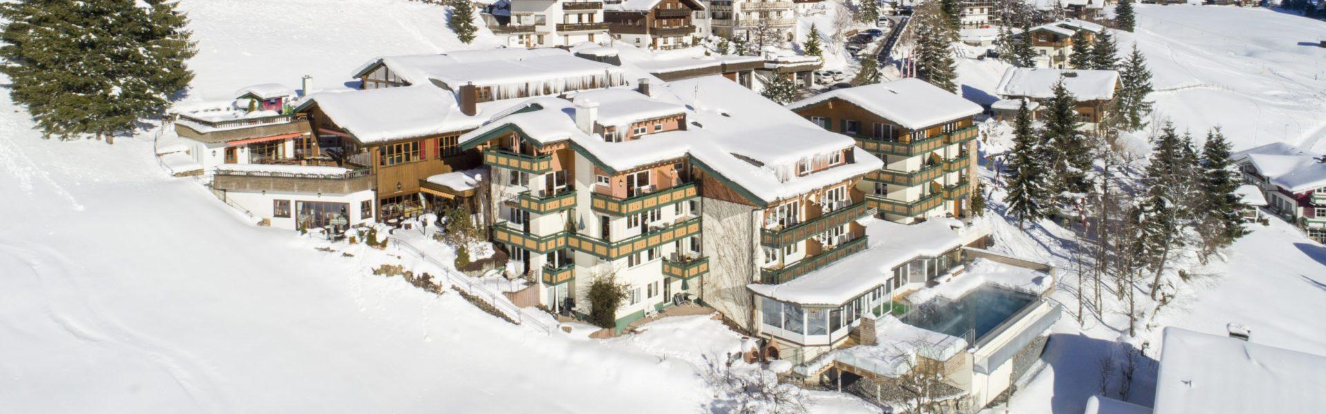 Der Kleinwalsertaler Rosenhof, Außenansicht Winter © Der Kleinwalsertaler Rosenhof