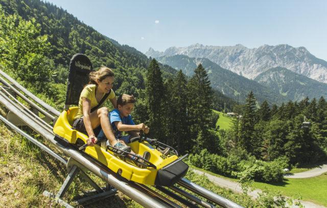 Alpine-Coaster-Golm(C)Christoph Schoech Familienaktivität am Bewegungsberg Golm [.jpg (300 dpi)] © Montafon Tourismus GmbH