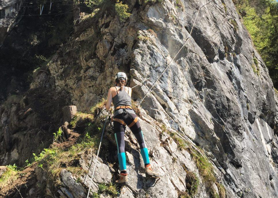 Klettersteig In English : Klettersteig im chiemgau am hausbachfall klettern aktiv
