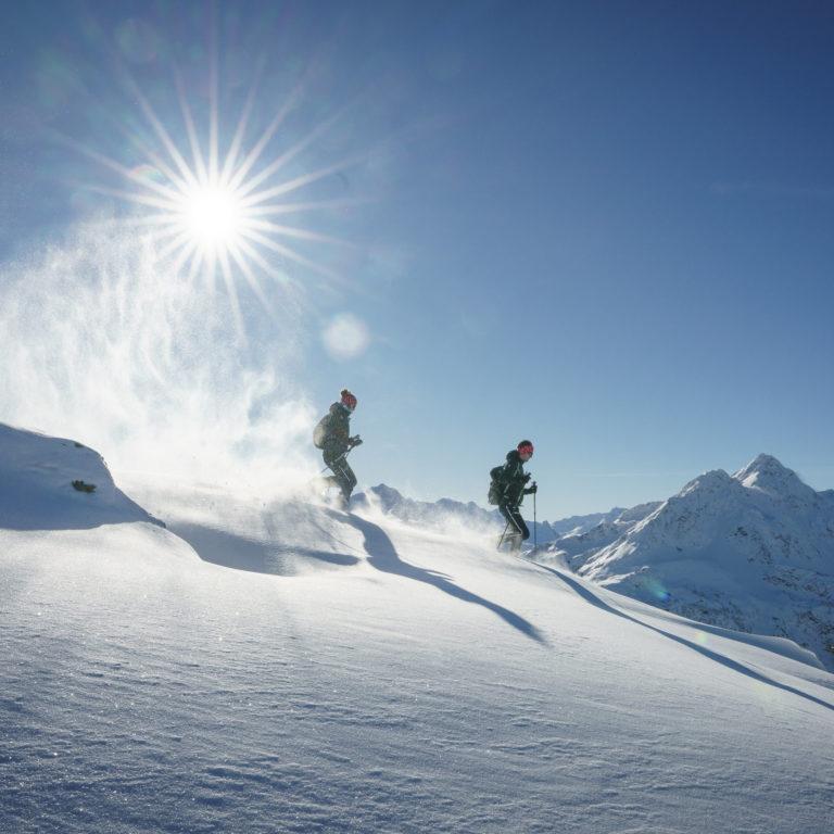 Schneeschuhtour Sonnenkopf zum Muttjoechle, Winterurlaub Vorarlberg © Dietmar Denger / Vorarlberg Tourismus