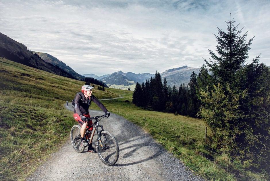 Mountainbiken im Kleinwalsertal (c) Markus Gmeiner / Vorarlberg Tourismus