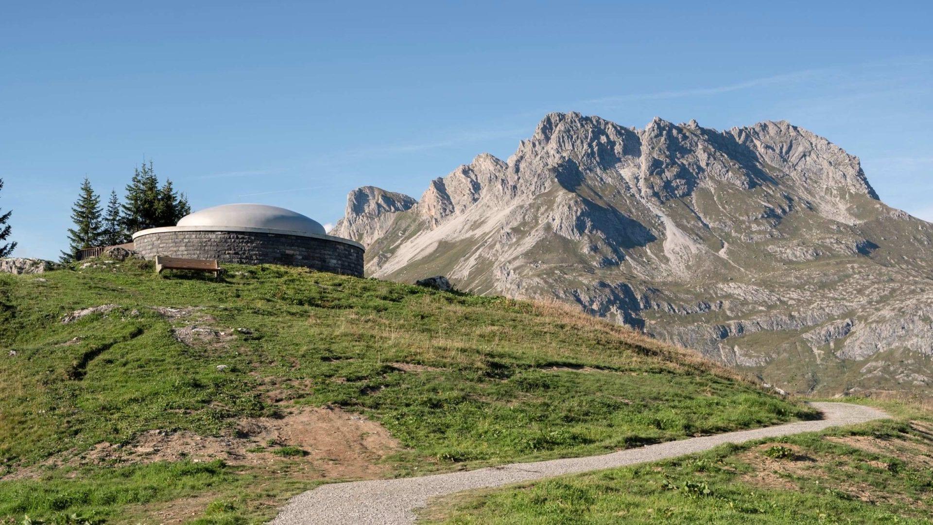 Skyspace Lech, James Turrell, Tannegg, Oberlech, Arlberg (c) Florian Holzherr