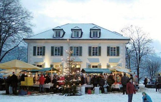 Weihnachtsmarkt Villa Falkenstein (c) Gemeinde Thüringen