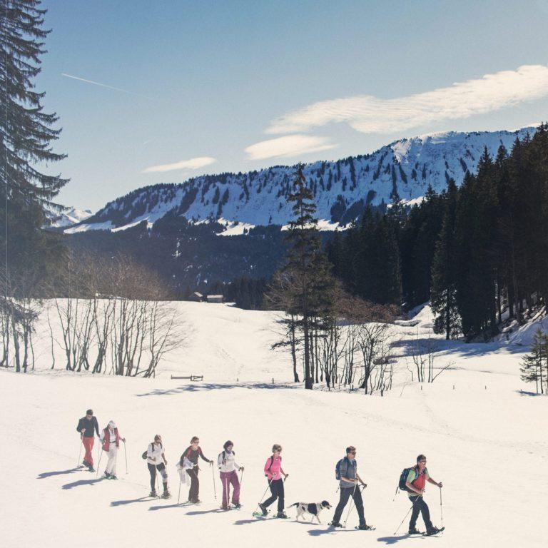 Schneeschuhwanderung durch die Genussregion Kleinwalsertal, Riezlern (c) Markus Gmeiner - Vorarlberg Tourismus GmbH