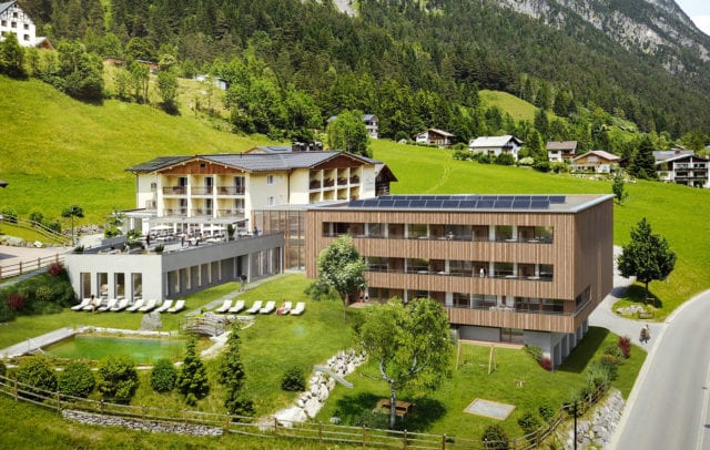 Golfhotel in Vorarlberg, Aussenansicht Alpenhotel Zimba in Brand © Alpenhotel Zimba