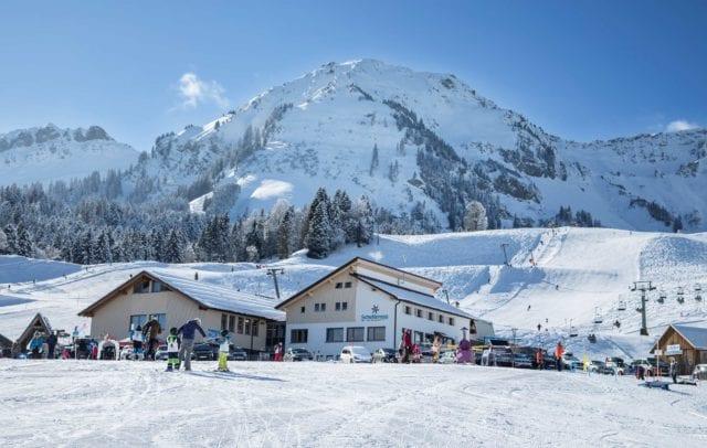 Skigebiet Schetteregg, Schulskiwochen Vorarlberg (c) Emanuel Sutterluety / Bregenzerwald Tourismus