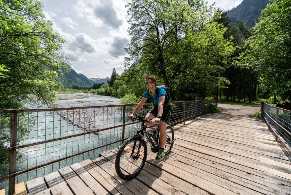 Radfahren an der Alfenz (c)Oostenrijk TV.jpg