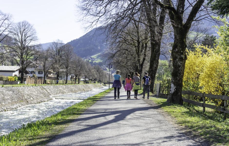 Spaziergang am Litzdamm im Frühling © Agnes Ammann undefined