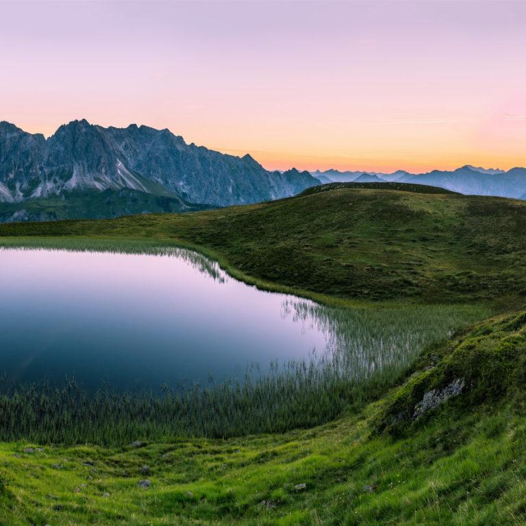 Vor Sonnenaufgang Golmer See mit Blick auf Zimba © Oberhauser Photography
