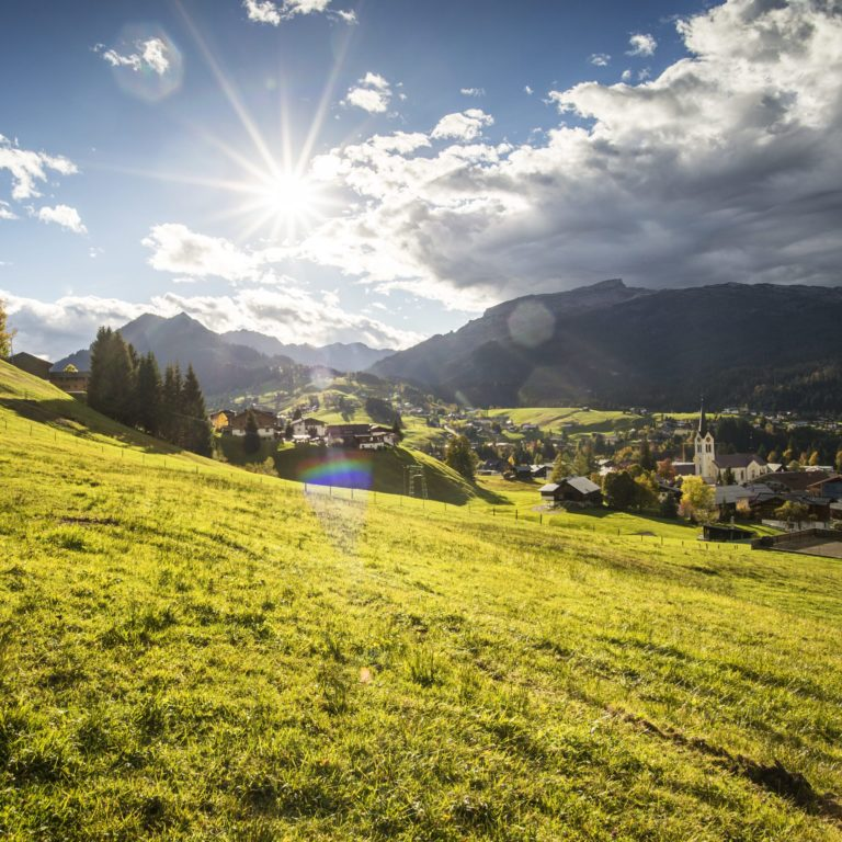 Herbst im Kleinwalsertal, Wandern (c) Dominik Berchtold - Kleinwalsertal Tourismus eGen
