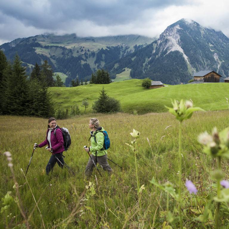 Wanderung in Sonntag-Stein (c) Bernhard Huber, www.bernhardhuber.com - _Alpenregion Bludenz Tourismus GmbH