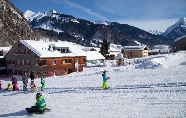Förderband direkt beim Hotel (c) Alpen Hotel Post Au