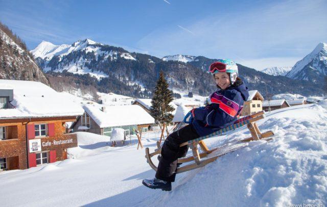 Rodeln (c) Alpen Hotel Post Au