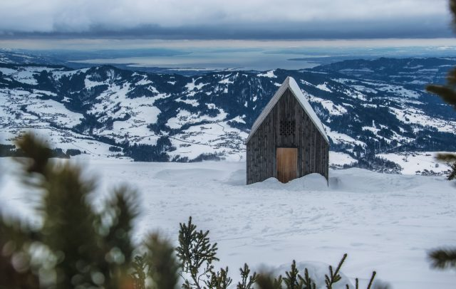 Kapelle Vordere Niedere mit Blick auf Bodensee © Michael Meusburger - Bregenzerwald Tourismus