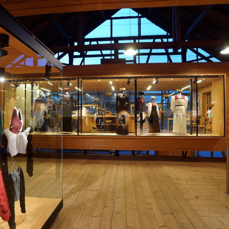 Juppenwerkstatt Riefensberg, Vorarlberger Trachten, Museen Highlights (c) Kulturzeitschrift