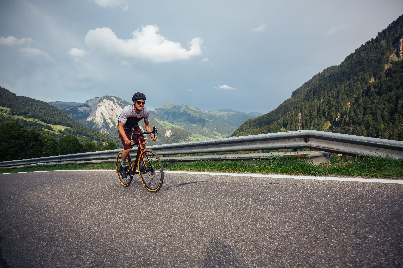 Rennradfahrer Richtung Damüls