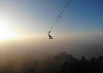 Pfänderbahn über dem Nebel im Spätherbst, Bodensee (c) Pius Gross