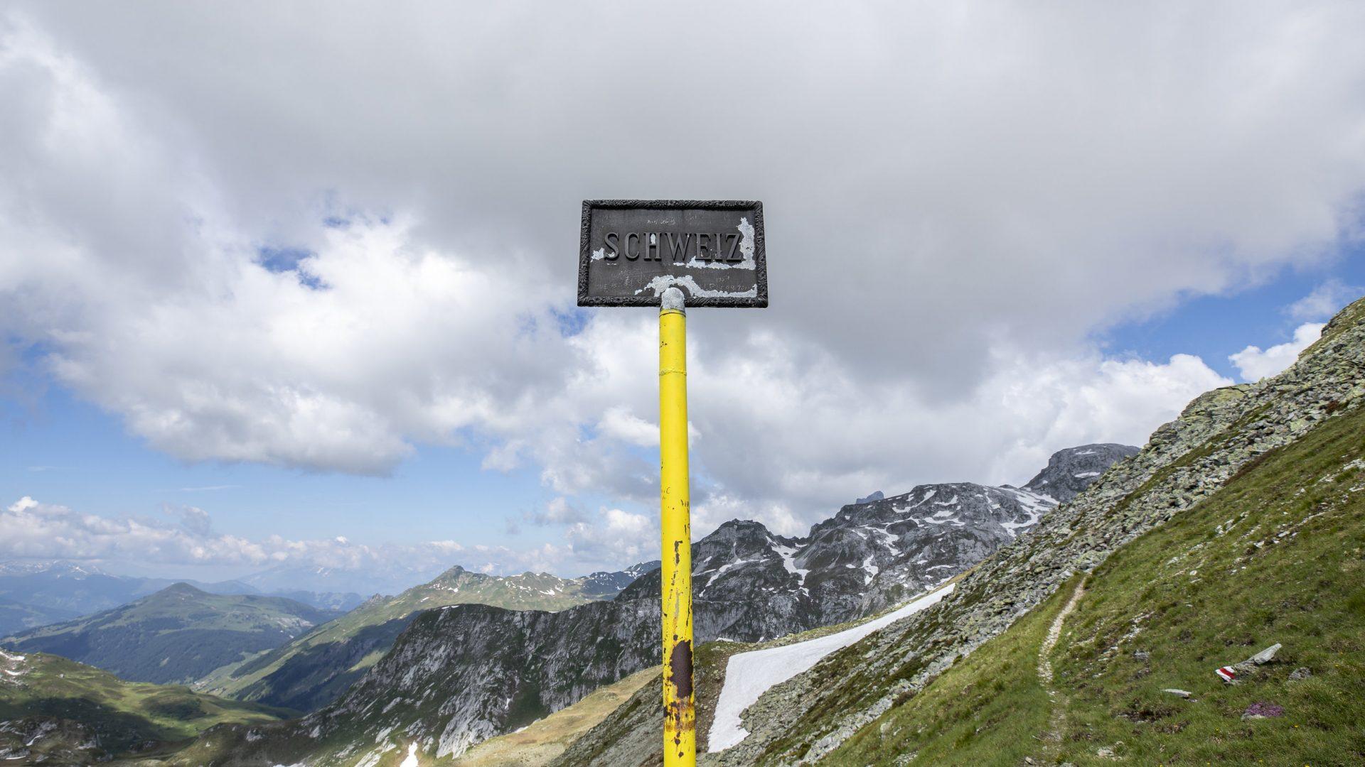 Sarotlapass - Grenze zur Schweiz (c) Lucas Tiefenthaler / Vorarlberg Tourismus