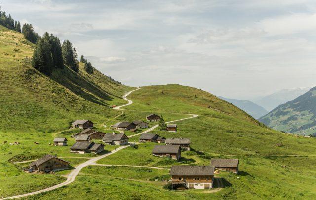 Alpwandern im Großen Walsertal (c) Helmut Düringer - Vorarlberg Tourismus GmbH